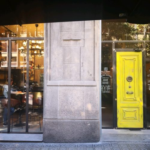 Restaurante Yellow Door